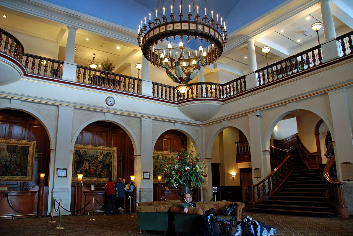 04 Chateau Lake Louise Lobby