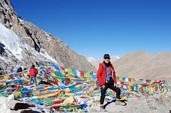 Jerome Ryan on the Dolma La (5653m) at 9:00, just two and a half hours after leaving Dirapuk.