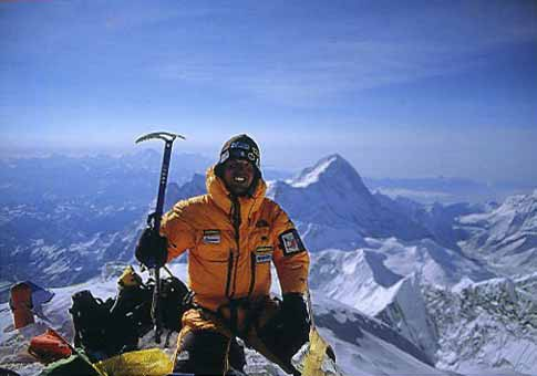 Simone Moro on the summit of Mount Everest - 8000 Metri Di Vita, 8000 Metres To Live For book