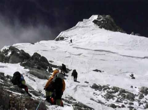 Everest North Face Approaching the Summit Snowfield May 16, 2002 - Everest: In the Footsteps of Legends DVD