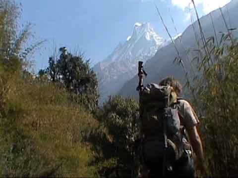 Trekking Towards Annapurna Sanctuary With Machapuchare Beyond - Le Sanctuaire des Annapurnas (The Annapurna Sanctuary) DVD