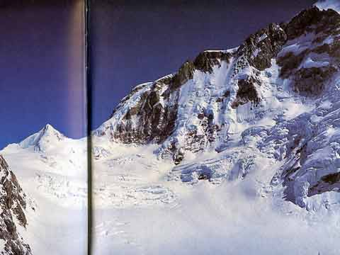 The immense Butterfly Valley below the west ridge and Manaslu South Face - Montagnes de l'esprit book
