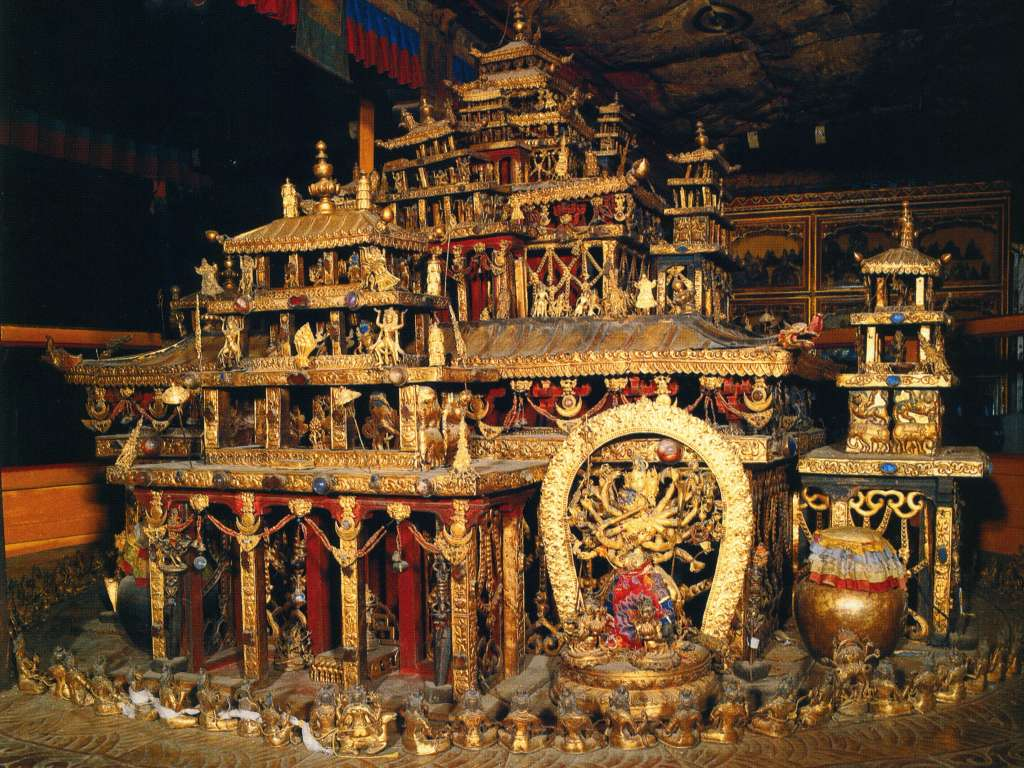 The Chapel of Kalachakra in the Potala Palace in Lhasa is a stunning ...