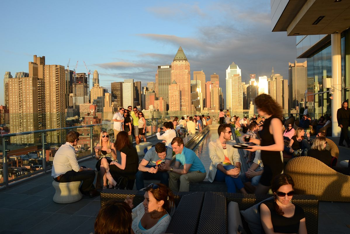18 ink48 hotel rooftop bar with new york manhattan skyline for Terrace new year party