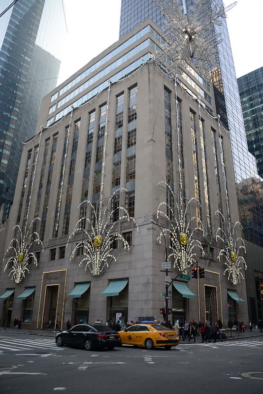 New York City Fifth Avenue 727 01 Tiffany Building Decorated For Christmas